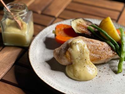 鶏むね肉のローストと自家製マヨネーズ
