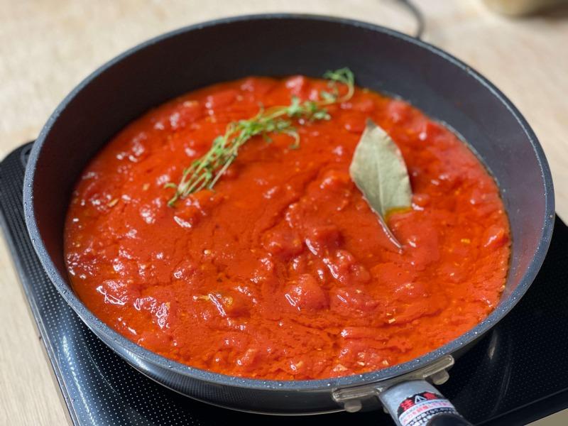 フライパンで作るトマトソース